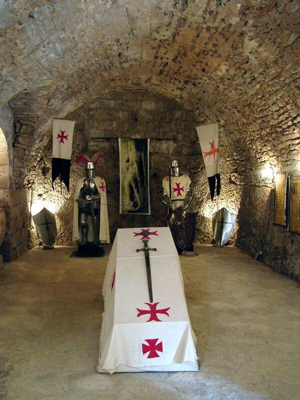 La Couvertoirade château 10