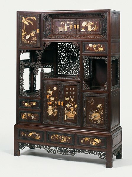 chine du sud vers 1860 meuble tag res en bois de rose finement sculpt de grecques et de. Black Bedroom Furniture Sets. Home Design Ideas