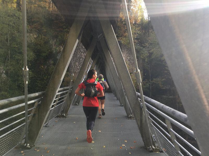 On traverse la Valserine sur des ponts en tout genre
