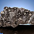 Manganite specimen tops $1.3 million nature & science auction at heritage auctions