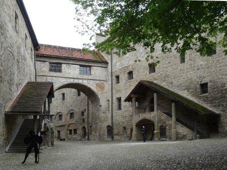 Cour château Burghausen