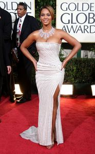 beyonce_arrives_at_the_66th_annual_golden_globe_awards_04_122_951lo1