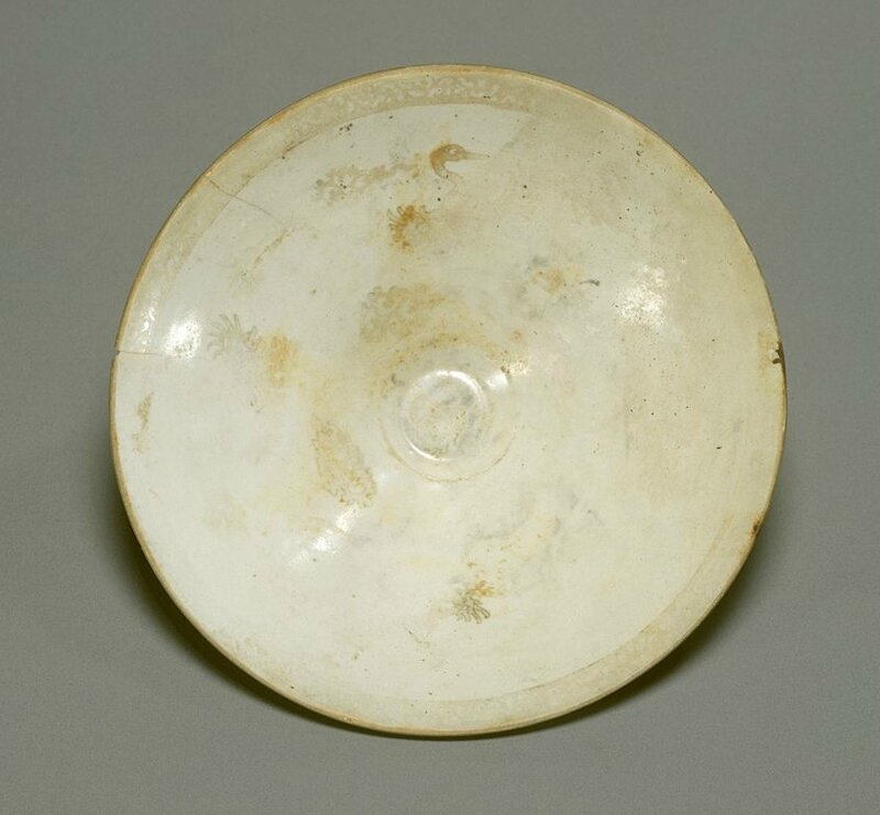 White porcelain bowl with design of cranes and clouds in gold, Ding Ware, Northern Song Dynasty, 11th-12th century
