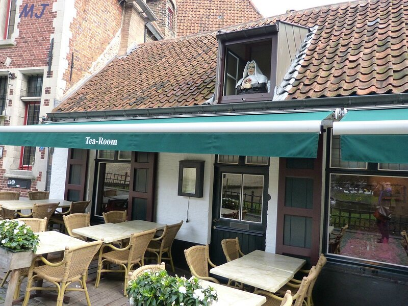 TEA ROOM A COTE DU BEGUINAGE