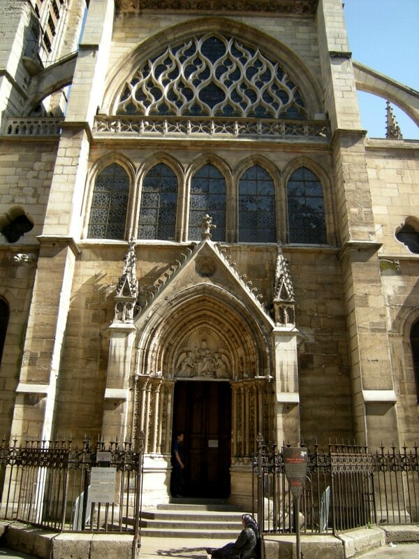 paris st severin 28