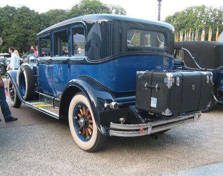 Cadillac_341_A_imperial_sedan_1928_02
