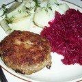 Kotlety mielone z kartoflami i buraczki-boulette de veau et betterave à la polonaise