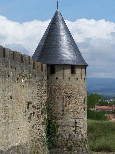 Carcassonne-tour 1ère muraille