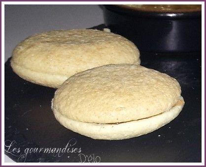 Macarons au foie gras & chutney d'oignon