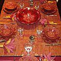 Table ocre et dorée