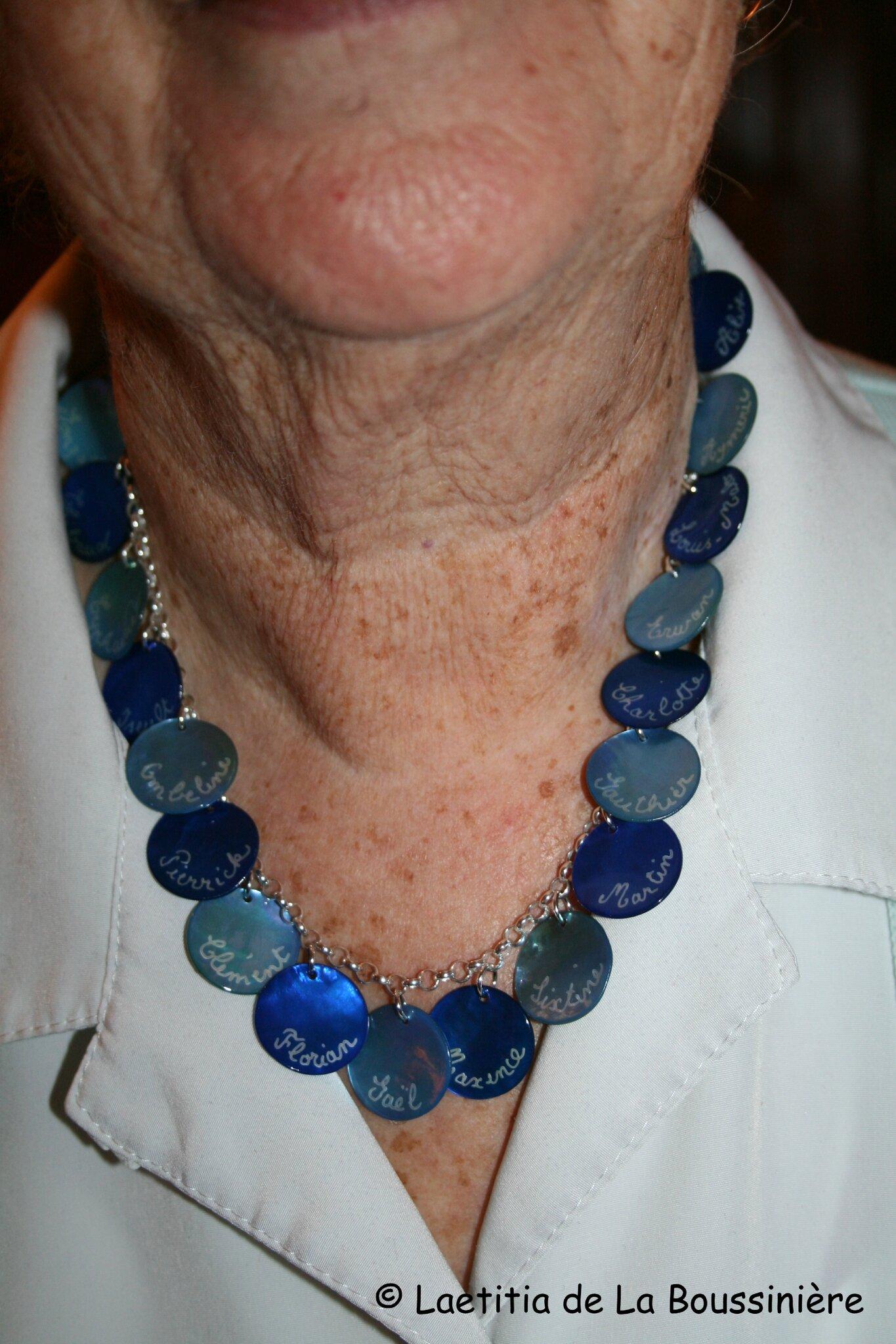 Le collier personnalisé de Mme