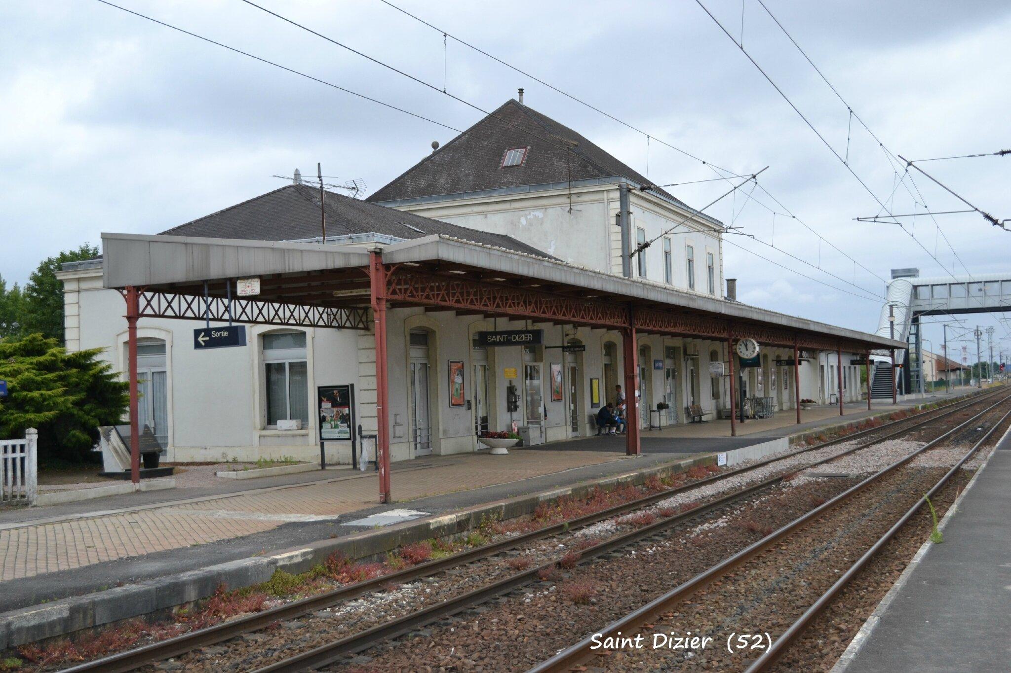 la gare de saint dizier 52 les gares de france et leurs infrastructures ferroviaires. Black Bedroom Furniture Sets. Home Design Ideas