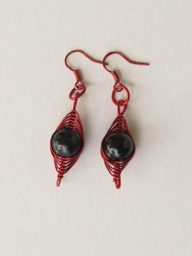 boucles d'oreilles crochet rouge