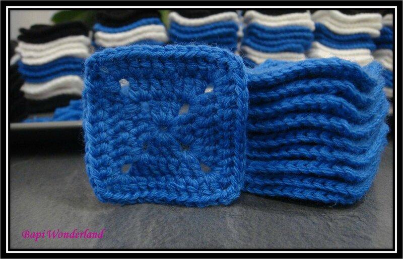 03-D-10_derniers_Solid_grannies_squares_bleus