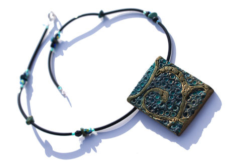 084_Collier_turquoise_et_or