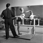 1949_02_11_DanceClass_03_byJR_Eyerman_1