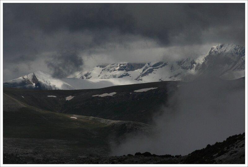 CM montagne neige et nuages