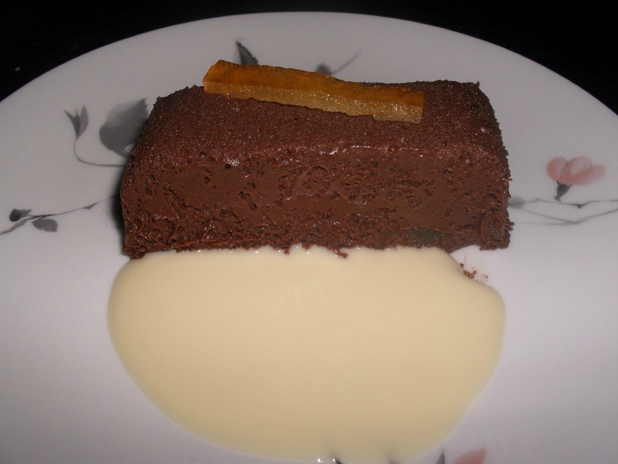 Gateau chocolat et ecorces d'oranges confites