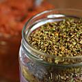 Des épices, des algues et des herbes aromatiques