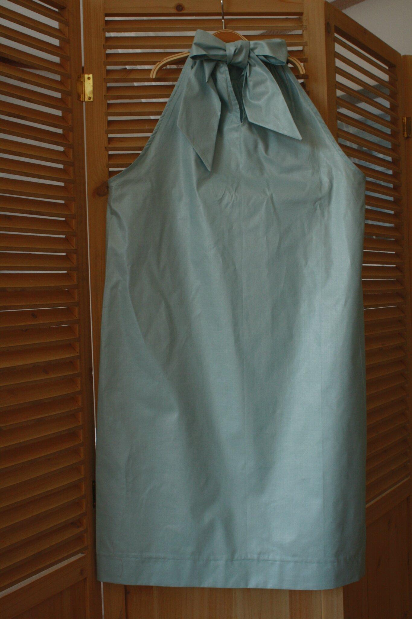 Robe schintz nouée cou, de dos, 45€