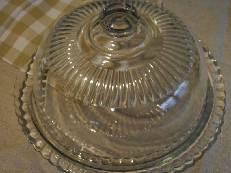 Cloche en verre et son plateau 25 euros photo de for Cloche de jardin en verre