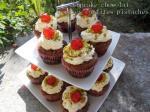 cupcake_chocolat_cerises_confites_pistache