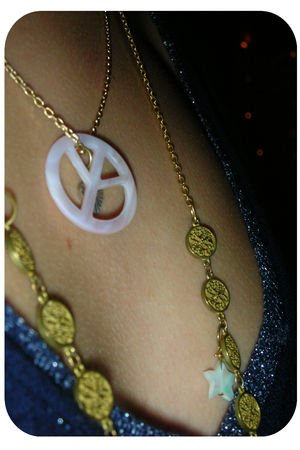 collier_signe_peace