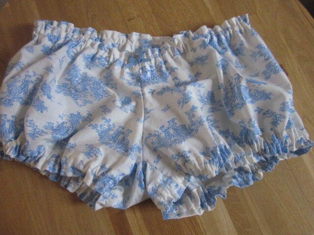 Culotte BIANCA en coton écru imprimé toile de jouy bleu - noeud bleu (2)