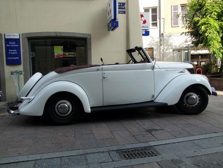 MATFORD V8 Cabriolet 1939 Festival Automobile de Mulhouse 2010 4