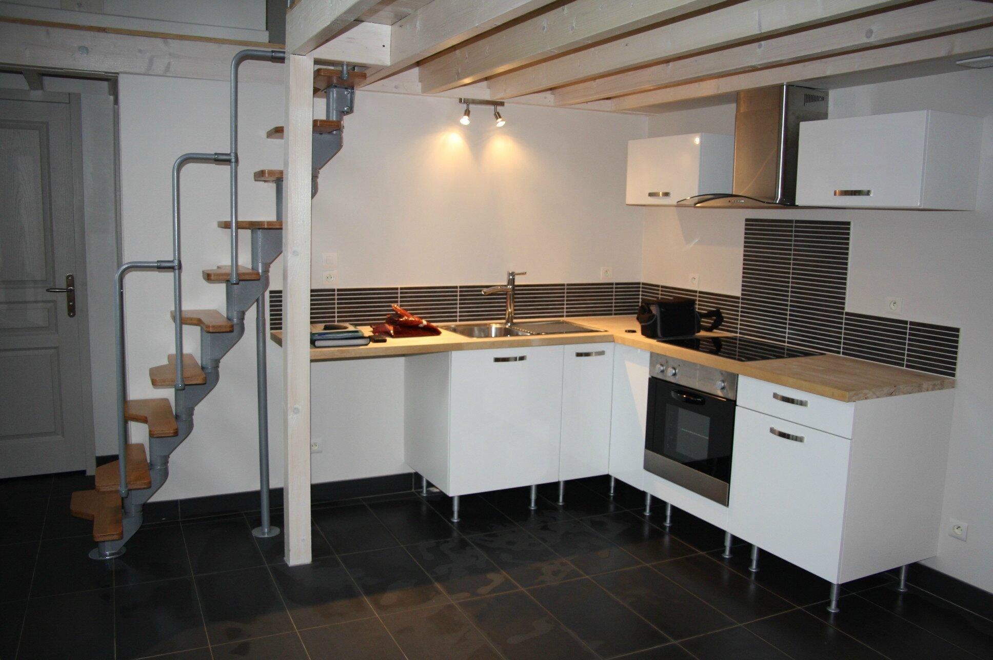 r novation d 39 une petite grange en logement 2 pi ces mezzanine baudry st phane bs energies. Black Bedroom Furniture Sets. Home Design Ideas