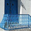 Sidi bou saïd en blanc-bleu