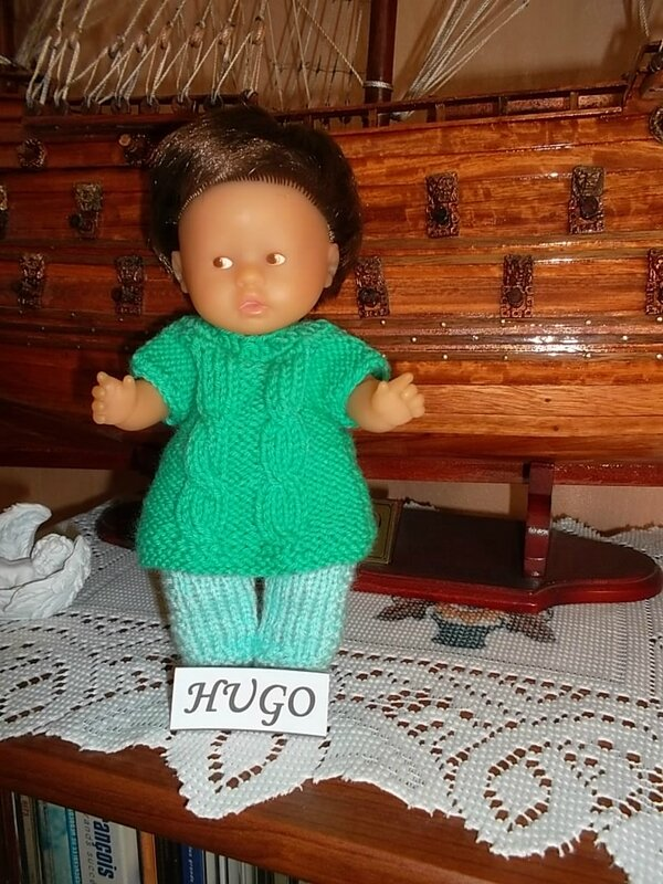 Hugo & sa tenue vert clair et vert foncé ( Moi )