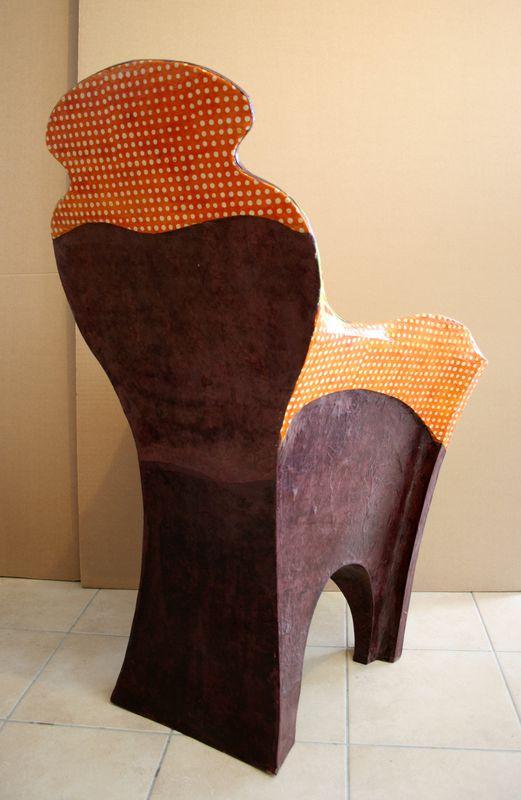 Chaise ou fauteuil toutankarton toutanpapi des - Meuble en papier mache ...