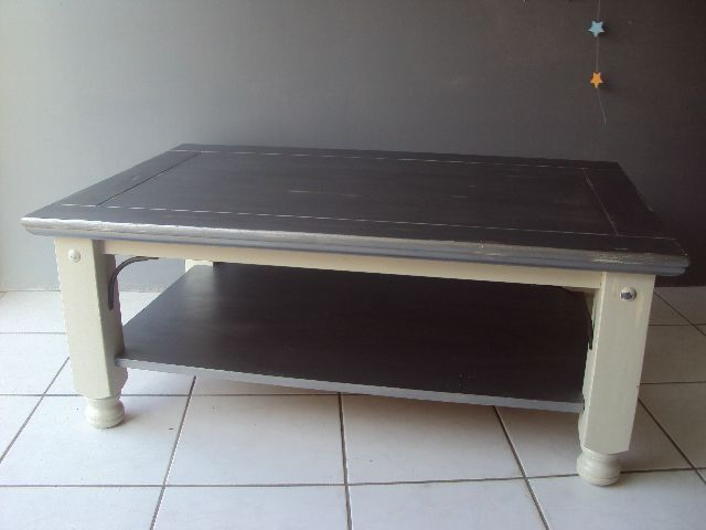Table basse gris argent et lin au bois enchant for Table basse argent
