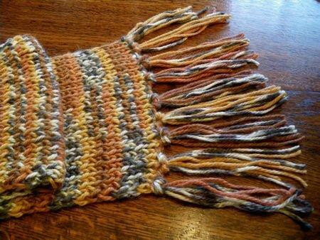 tricoter une echarpe multicolore