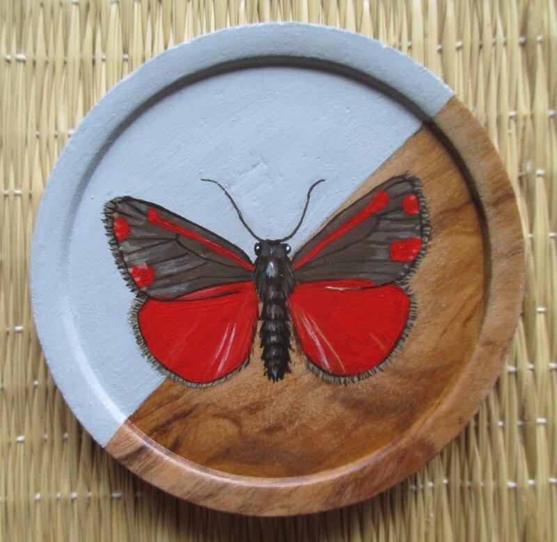 """Papillon """"Carmin"""" (sous-verre bois)"""