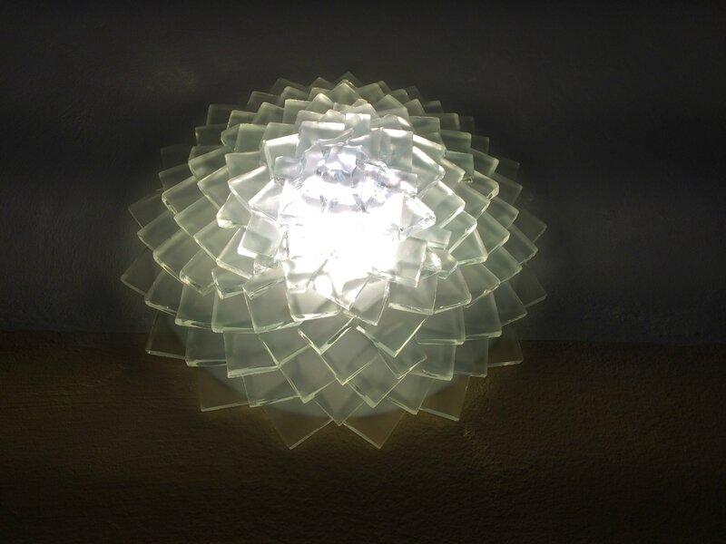 lustre artisanal pluie de feuilles de plexiglass cr ation artisanale de luminaires de luxe. Black Bedroom Furniture Sets. Home Design Ideas