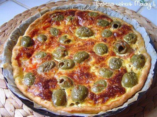 Quiche aux olives et tomates