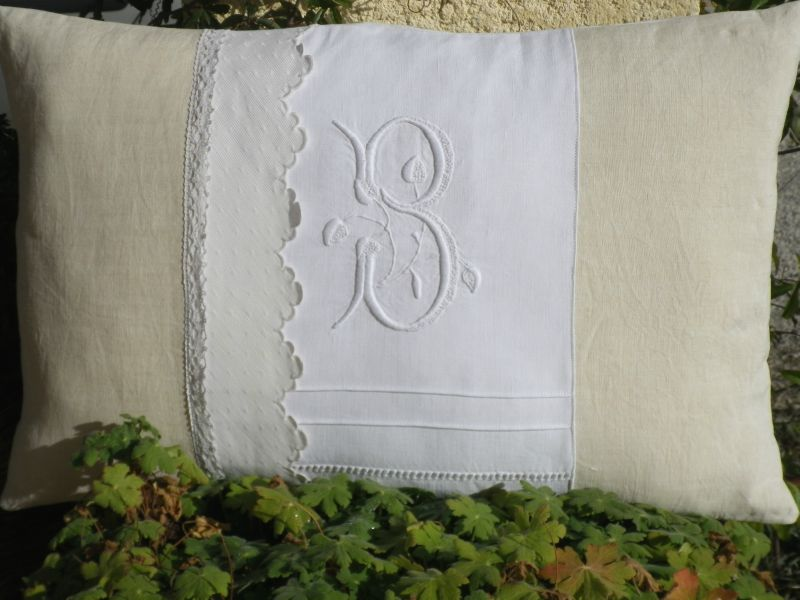 Coussin Blanc N°2 003