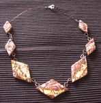 collier_marron_hidden_losange