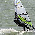 Windsurfeurs au lac de madine le 20 octobre après-midi