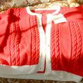 Veste rouge et blanche