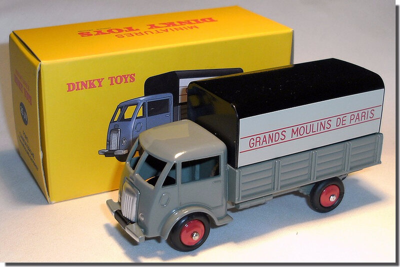 Dinky Atlas Ford Moulins de Paris A 1