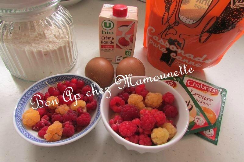 petits gâteaux aux 2 framboises et groseilles du jardin crémés 001