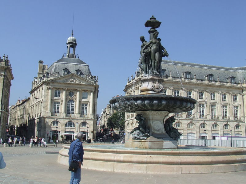 Bordeaux - Fontaine -Place de la Bourse