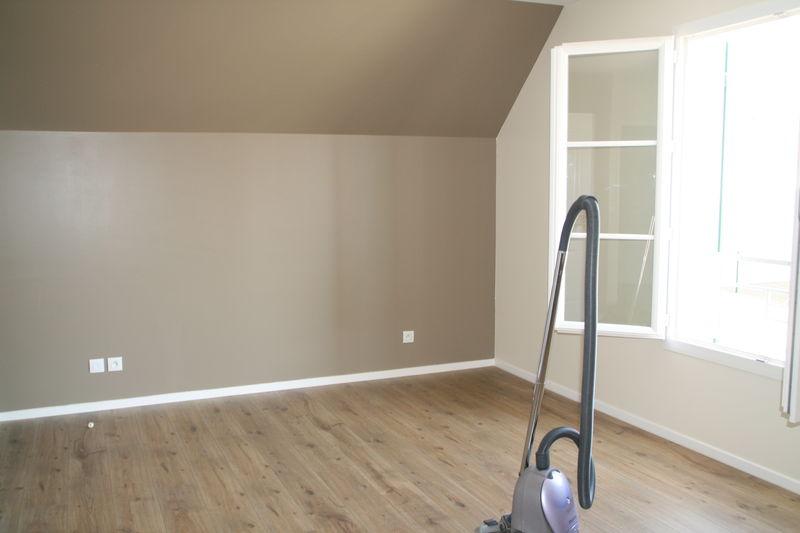 Notre Chambre, Peinture Et Ménage  - Photo De Maison - Ensemble