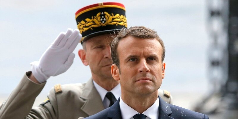 Popularite-de-Macron-en-baisse-de-10-points-un-chute-tres-severe-un-peu-tous-azimuts