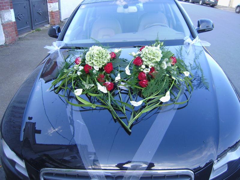 voiture photo de cr ations florales pour votre mariage. Black Bedroom Furniture Sets. Home Design Ideas