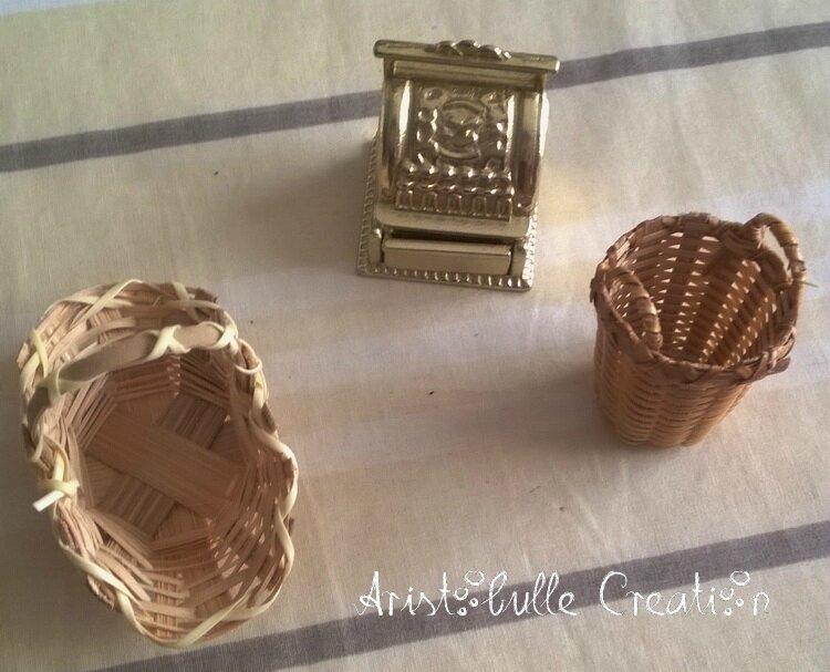 Mini vitrine pâtisserie - caisse et paniers