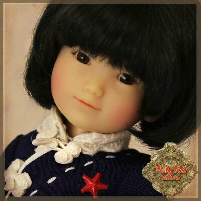 gigi-a-l-ecole-5eme-edition-ten-ping-and-friend-ruby-red (1)